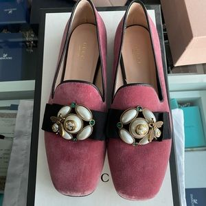 Suede Gucci flats, size 38